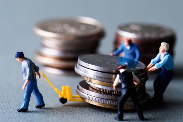 Налоги вдвое обогнали заработной платы поскорости роста в РФ