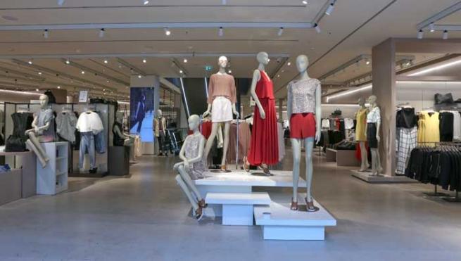 Бренд Mango открыл крупнейший в Испании магазин