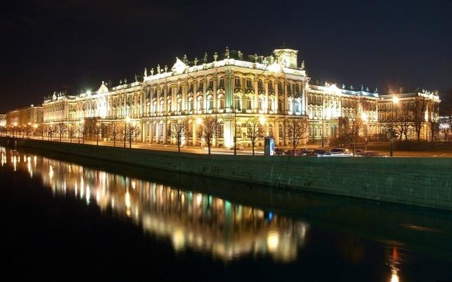 Санкт-Петербург стал самым обеспеченным ТЦ городом в России