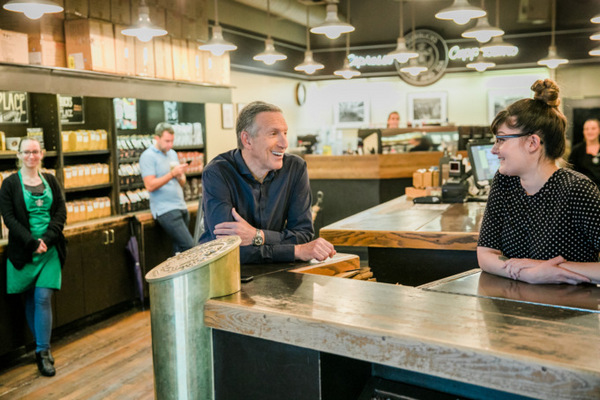 Экс-глава Starbucks Говард Шульц покидает пост председателя совета директоров