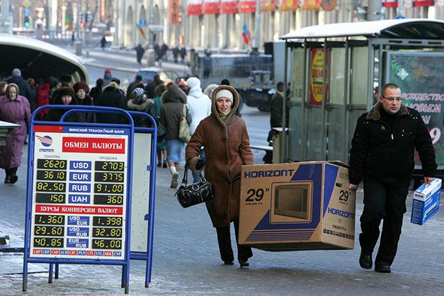Главное в ритейле за неделю: пересмотр ценников и кризис в кредит