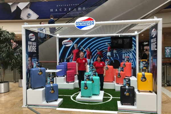 Первые четыре pop-up stores American Tourister открылись в России