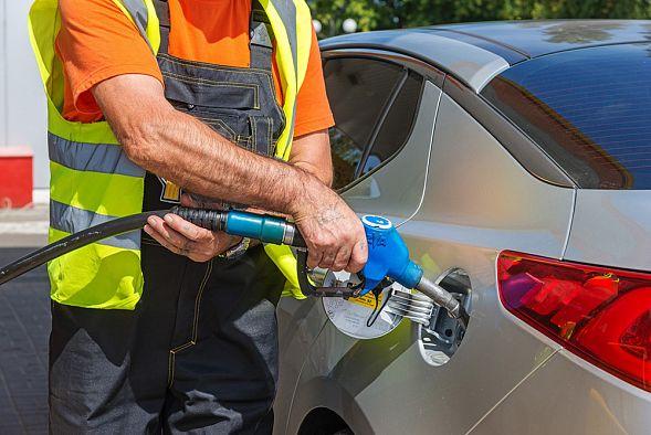 Независимый топливный союз проверит достоверность отчета о недоливе топлива на АЗС