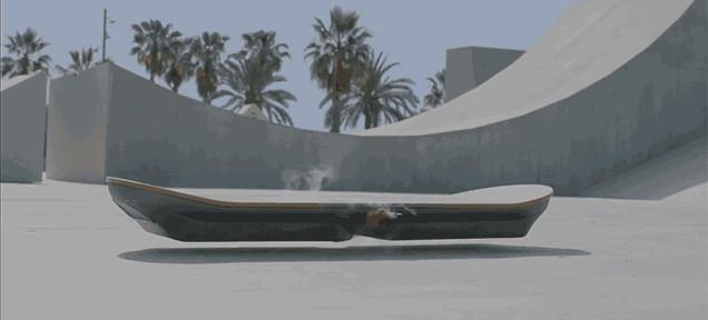 Lexus воплотил летающий скейтборд в реальность