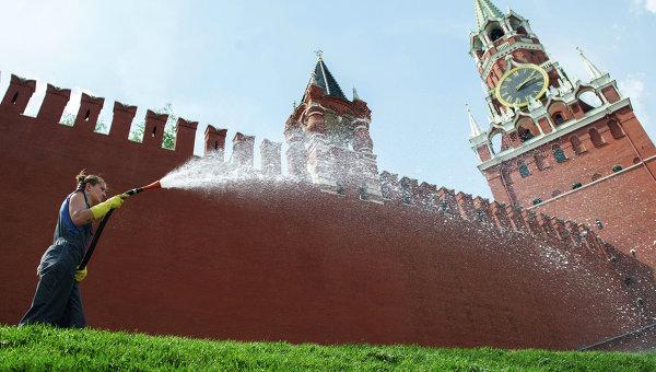 Из-за жары в Москве приостановили торговлю мясом и молоком
