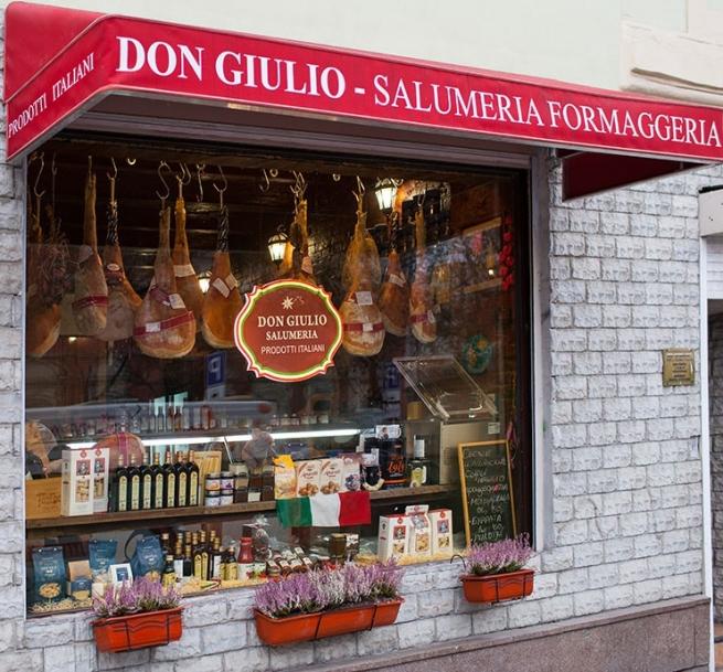 Лавка итальянских продуктов создала рекламу, которая прячется от московской полиции