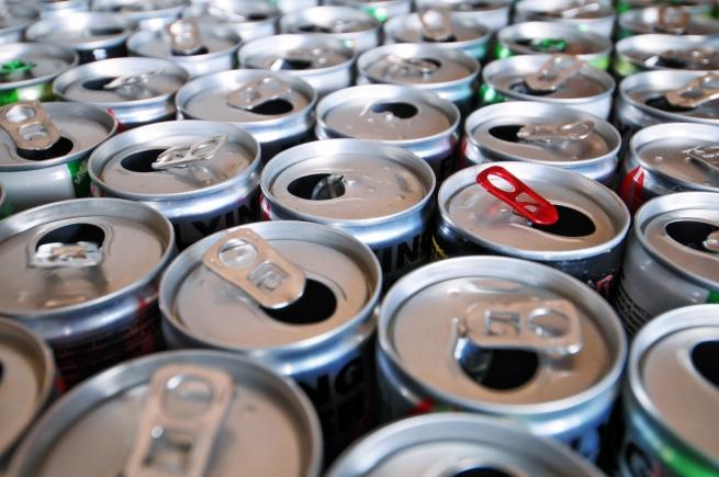Энергетические напитки могут приравнять к алкоголю