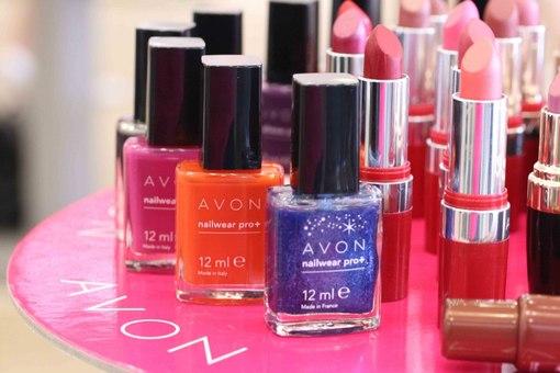 Avon уволит 2,5 тыс. сотрудников и перенесет штаб-квартиру в Великобританию