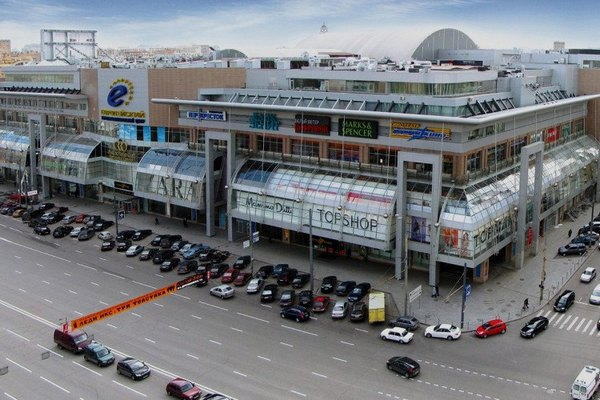 Торговый центр «Европейский» загорелся в центре Москвы - New Retail d645aa28016
