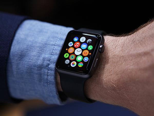 Больше половины пользователей не заинтересованы в покупке Apple Watch