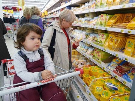 В цифрах: 19% россиян экономят на еде