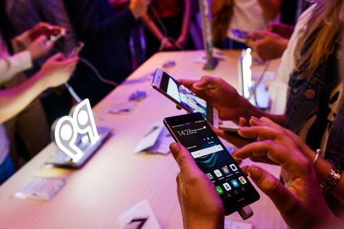Всалонах МТС появится весь модельный ряд Huawei