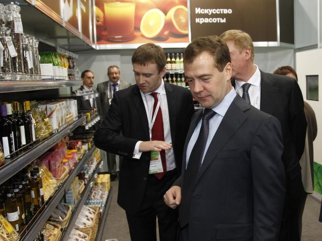 Россия хочет создавать площадки для онлайн-торговли отечественными товарами за рубежом