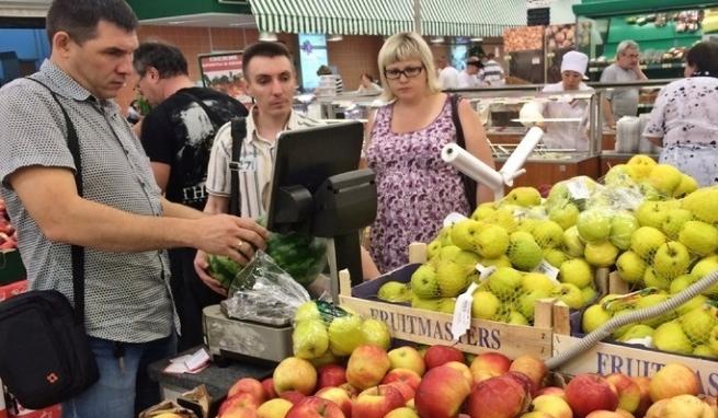 Производителей пюре и соков обвиняют в росте цен на яблоки
