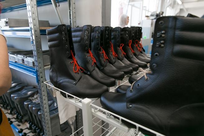 «Обувь России» запустила производство спецобуви на фабрике в Новосибирской области