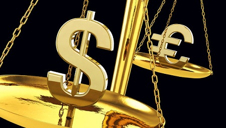 Евро и доллар продолжают бить рекорды