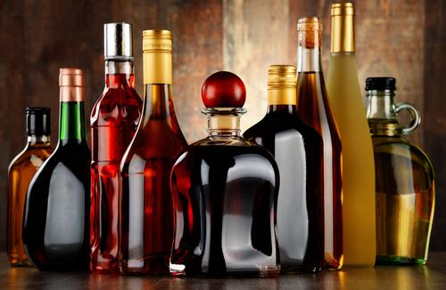 Импортеры алкоголя начали подавать заявки на акцизные марки нового образца