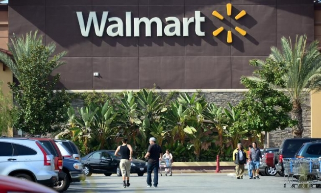 Walmart требует от Visa $5 млрд