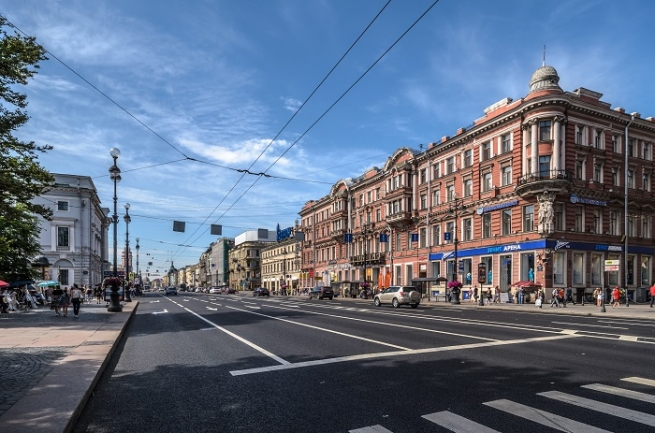 Торговые улицы Петербурга снова стали привлекать ритейлеров