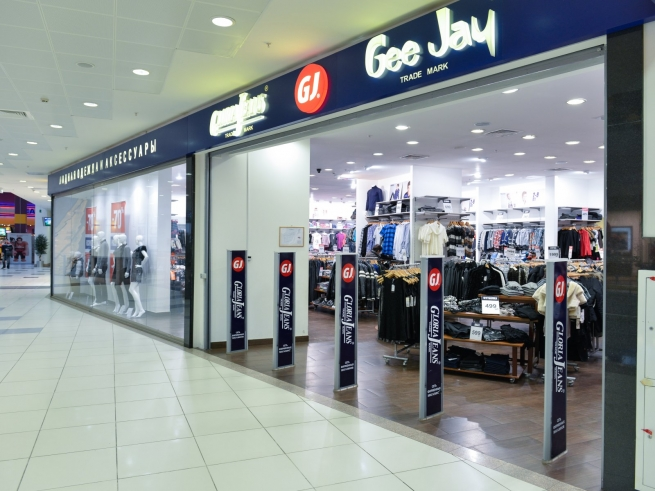 Fashion-дайджест: международная экспансия Zara и смена штаб-квартиры «Глория Джинс»