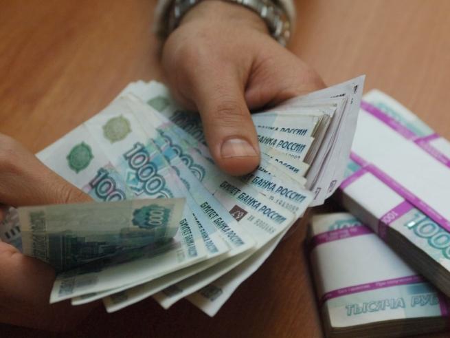С 1 июня рубль стал официальной валютой в Крыму