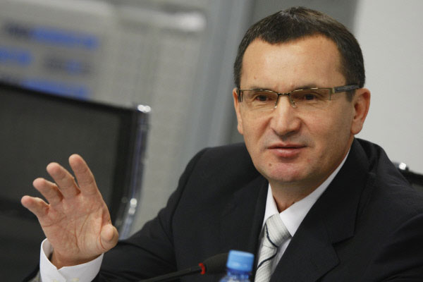 Николай Фёдоров продолжает есть гречку