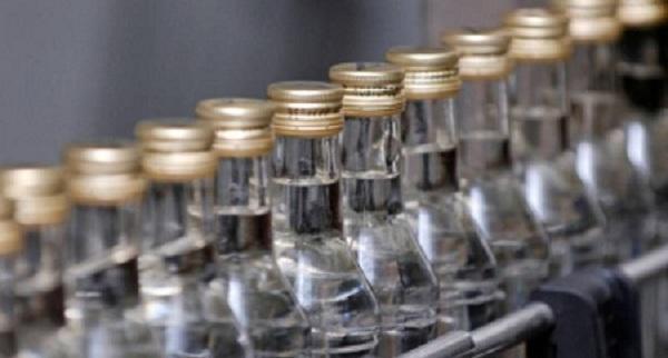 С 1 февраля в России минимальная стоимость водки снизится на 15,9%