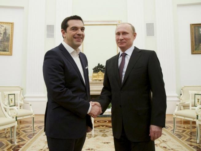 Путина попросили снять продэмбарго с Греции