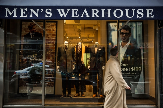 Владелец Men's Wearhouse закроет 250 магазинов