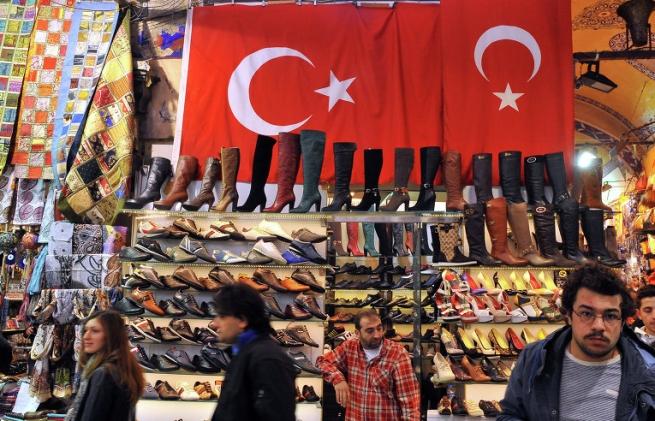 Минпромторг предложил запретить одежду и обувь из Турции