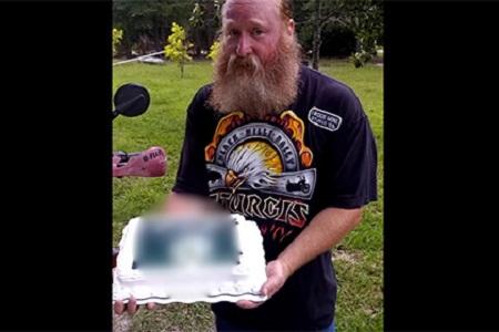 Walmart извинился за торт с флагом ИГИЛ