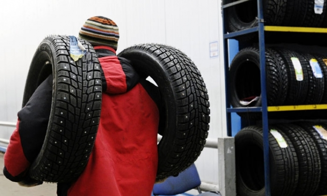 Власти могут ввести акцизы на автомобильные шины и пальмовое масло