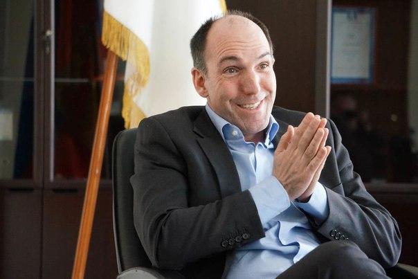 Акционер X5 хочет выяснить обоснованность рекордных выплат топ-менеджменту