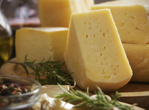 В РФ приостановлен ввоз некачественных сыроподобных продуктов из Украины