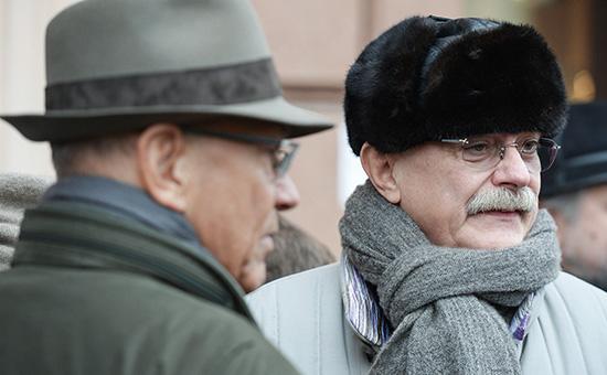 Михалков и Кончаловский хотят создать конкурента McDonald`s