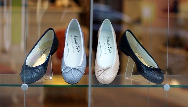 Лондонский суд признал виновной продавщицу, которая вынесла на себе 26 пар обуви