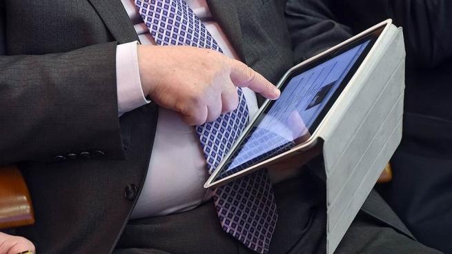 Мировой рынок планшетов продолжает падать