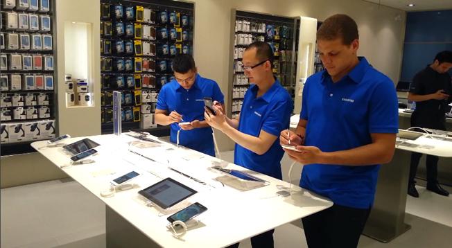 Samsung запустит программу обмена смартфонов вслед за Apple