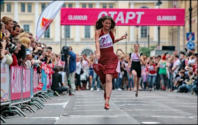В России хотят запретить обувь на высоком каблуке