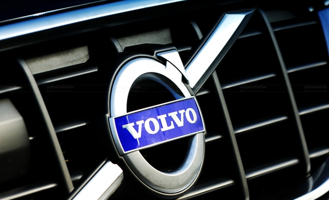 Автомобили Volvo предупредят друг друга о ямах