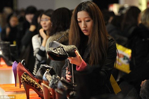 Fashion-дайджест: подделки Gucci, новый конкурент H&M и люксовое пике