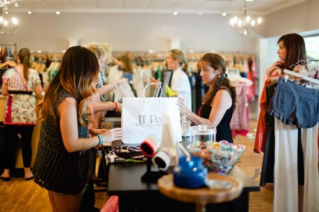 Инфляция оживила шопинг-туризм в Финляндии среди россиян