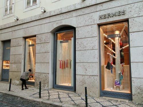 Люксовый бренд Hermes приобрел поставщика телячьей кожи Tanneries du Puy