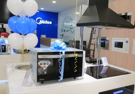 Midea открыла первый фирменный магазин в Москве