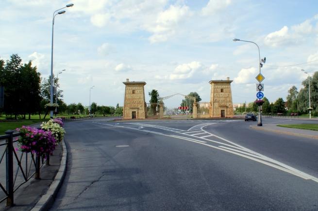 Kesko в Пушкине загородит Египетские ворота