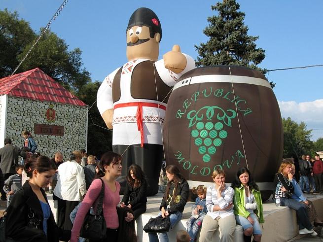 Россия введет пошлины на вино и другие продукты из Молдовы