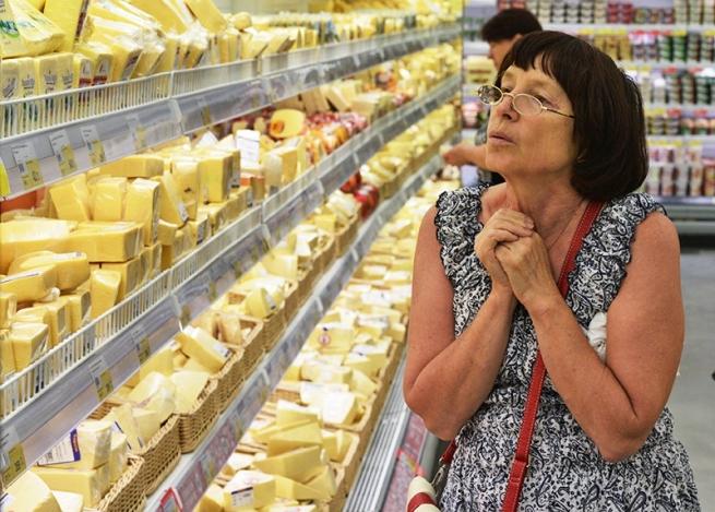 Россельхознадзор разрешил восьми швейцарским компаниям ввозить в Россию сыр и мясо