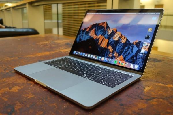 Apple извинилась за сильно греющиеся Macbook Pro