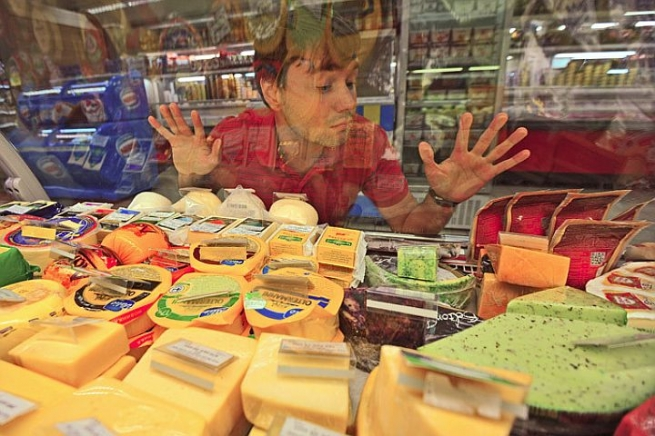 Брянский супермаркет «Свенская ярмарка» накажут за продажу санкционного сыра