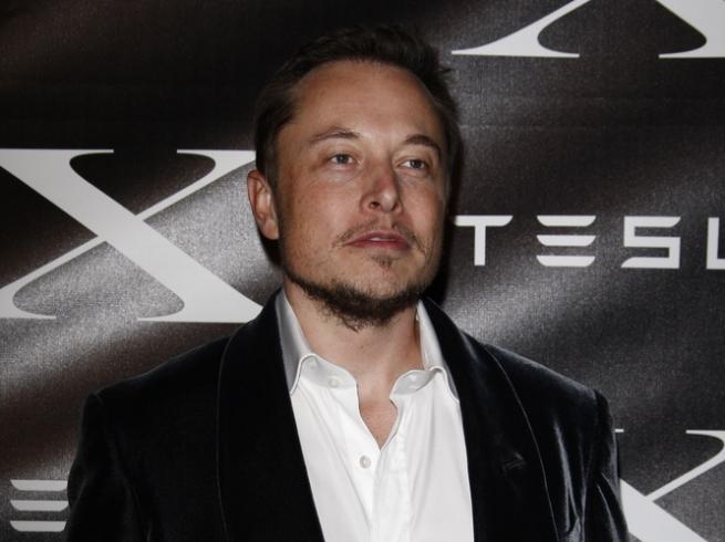 Глава Tesla спит на заводе ради ускорения производства